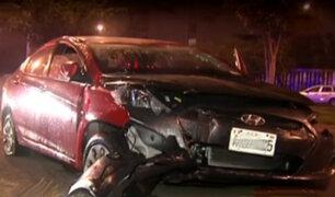 Ate: conductor resultó herido tras aparatoso accidente vehicular