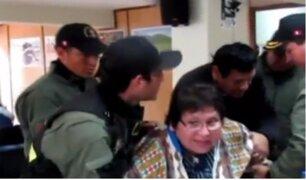 Pachacámac: retiran a la fuerza a regidora municipal por resistirse a suspensión de su cargo