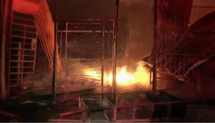 San Martín de Porres: incendio consume varios puestos de mercado