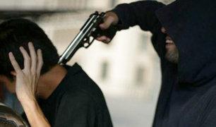 Delincuentes roban conocida cevichería en Surquillo