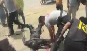 Chosica: policías recatan a sujeto que cayó en canal de regadío