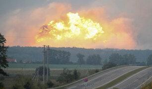 Ucrania: evacúan a 30 mil personas tras incendio en almacén de municiones militares