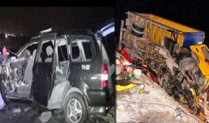 Arequipa: choque entre camión y auto deja 10 personas muertas