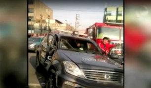 SJL: choque entre bus del corredor morado y patrullero deja un herido