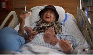 México: mujer de 87 años sobrevivió tras estar 32 horas bajo los escombros