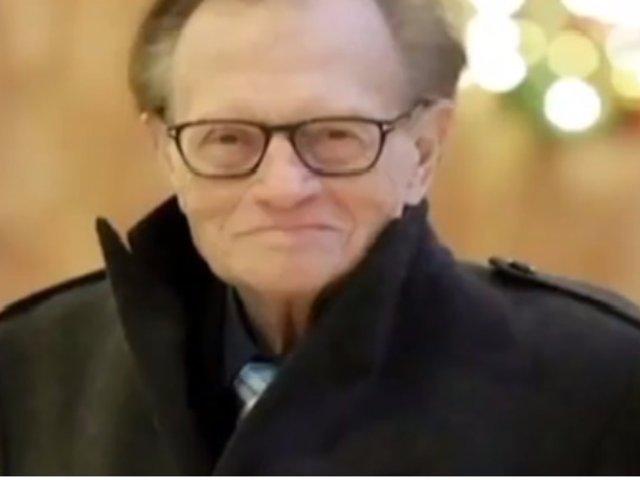 El periodista Larry King lucha contra el cáncer al pulmón