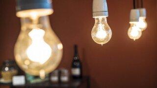 Aseguran que normativa eléctrica actual no favorece a consumidores domésticos