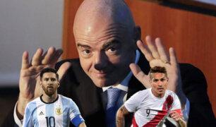 ¿Qué hace realmente el jefe de la FIFA en Argentina?