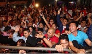 Hinchas dormirán en exteriores del hotel donde se encuentra la Selección Peruana