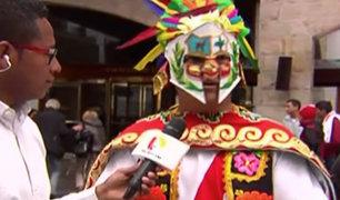 """Perú vs. Colombia: el """"Gladiador Cholo"""" llegó para alentar a la Blanquirroja"""