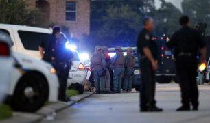 EEUU: continúa prófugo el asesino de policía en Texas