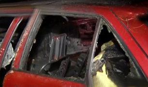 Barrios Altos: pasajeros salvan de morir calcinados dentro de taxi