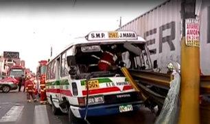 SMP: diez personas heridas tras aparatoso choque de cúster