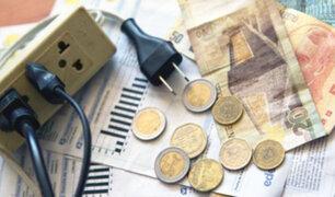 Usuarios critican altos costos en las tarifas eléctricas