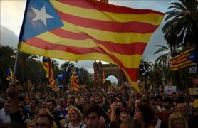 España: se agudiza situación en Cataluña tras boicot a bancos