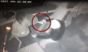 Chorrillos: delincuentes encapuchados asaltan a clientes de bar