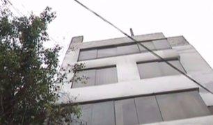 San Isidro: advierten que edificio corre riesgo de colapso