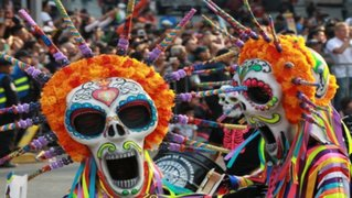 México: desfile del Día de los Muertos honró a víctimas del terremoto