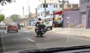 La Molina: motociclista viaja temerariamente con tres balones de gas