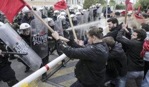 Grecia: estudiantes protestan por efectos de los recortes presupuestales en la educación