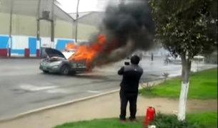 Callao: vehículo policial se incendia y genera alarma entre vecinos