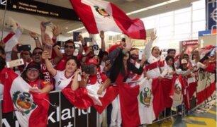 Mira el recibimiento de los peruanos a la 'Blanquirroja' en Auckland