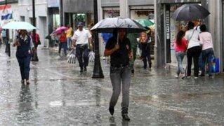 Inusual lluvia de verano sorprendió a limeños