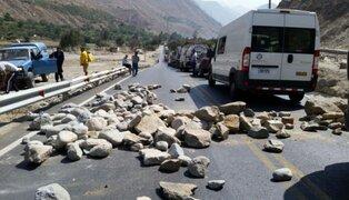Carretera Central fue bloqueada durante protesta por falta de obras de reconstrucción