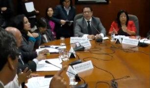 Comisión de Defensa del Consumidor retiró de sesión al representante de la OMS