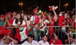 Fiesta de la hinchada 'Blanquiroja': así se vivió la previa en el parque Kennedy de Miraflores