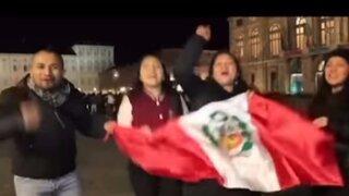 Así alentaron a la blanquirroja los peruanos en el extranjero