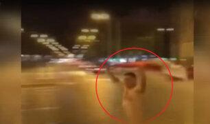 Hombre corre desnudo por las calles tras clasificación de Perú al Mundial