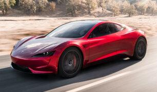 """Tesla Motors presenta 'Roadster', deportivo eléctrico y """"el auto más rápido del mundo"""""""