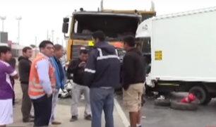 Trujillo: choque entre camión frigorífico y un tráiler deja una persona fallecida