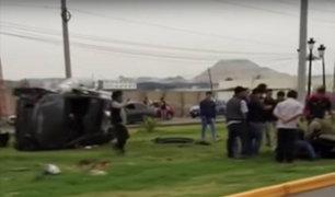 Chorrillos: dos policías heridos tras volcadura de patrullero