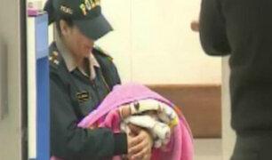 Bebé recién nacida fue abandonada en tacho de basura