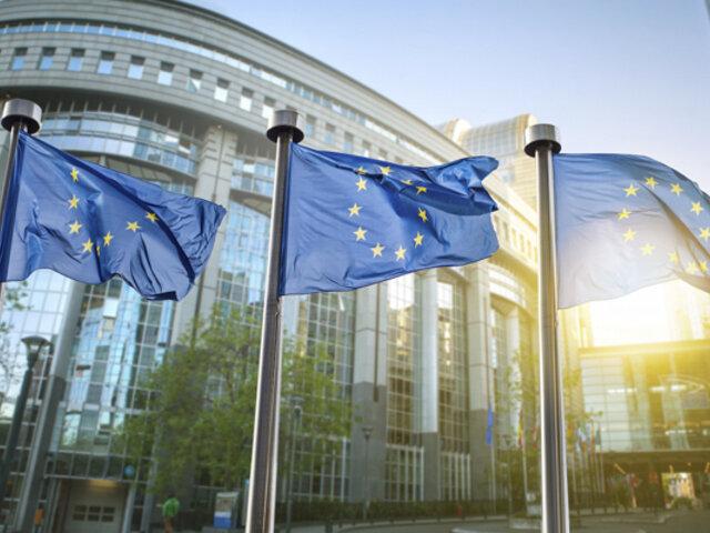 Vacuna COVID-19: UE amenaza a AstraZeneca con demanda si no cumple con dosis acordadas