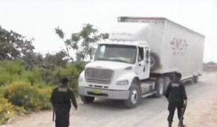 Chimbote: camión que transportaba mango se volcó en plena Panamericana Norte