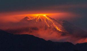 Ecuador: Volcán el 'reventador' erupciona