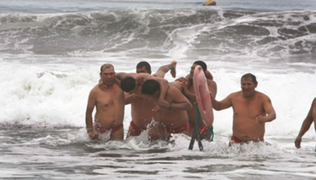 Arequipa: primos mueren ahogados en playa de Mollendo