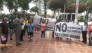 Vecinos de Barranco protestan por subasta del Estadio Unión