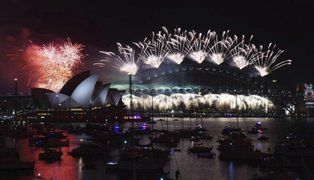 Con espectaculares fiestas Australia recibió el año 2018