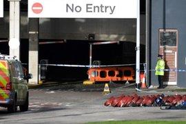 Inglaterra: incendio en un estacionamiento de Liverpool destruyó 1.400 autos