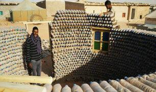 Argelia: ingeniero construye casas con botellas de plástico