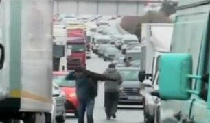 España: intensa nevada atrapa por 18 horas a miles de personas