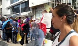 San Isidro: decenas de venezolanos hacen largas colas para tramitar permisos de trabajo