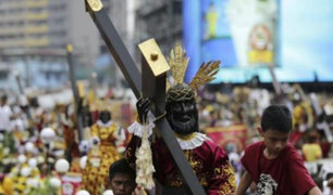 Devotos realizan multitudinaria procesión por el 'Nazareno negro'