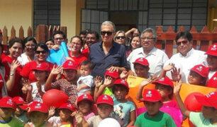 Piura: Mario Testino inaugura dos centros médicos en Catacaos