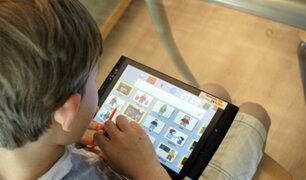Atención padres: uso desmedido del smartphone puede causar adicción en sus hijos