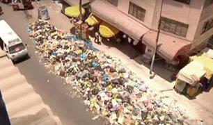 Calles de Villa María del Triunfo se encuentran llenas de basura